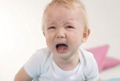 小孩哭泣可爱图片动态