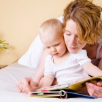 和12-18个月的婴儿一起阅读
