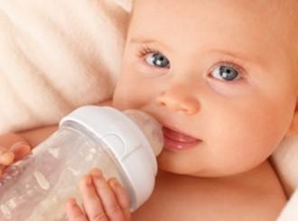 奶瓶喂养或增加婴儿胃阻塞危险