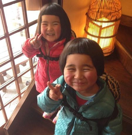日本喜感兄妹强势来袭  很多明星大腕都选择在今年生下自己的马宝宝