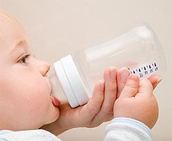 宝宝喝水技巧 不同年龄孩子喝水量是多少