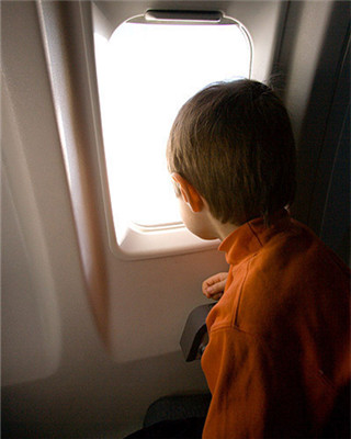 小宝宝搭飞机 这几条要注意
