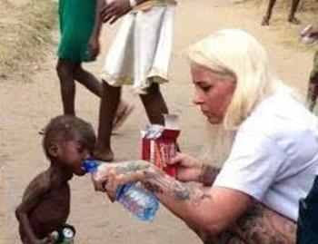 非洲上万儿童成巫童 被残忍虐待图片