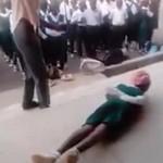 错过开学典礼 15名学生被老师鞭刑
