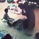 太残暴!台湾一保姆虐打重摔幼童