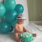 熊孩子过生日 一不小心尿在蛋糕上