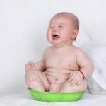 新生儿胆子很小!有这些表现说明受到惊吓了