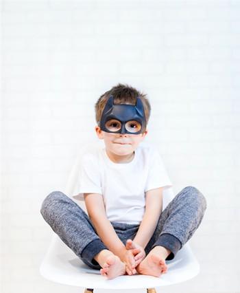 眼镜也会过期!快点检查,对孩子危害可不小