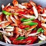 酱香麻辣蟹腿,肉质鲜美,好吃到吮指!
