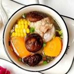 香菇玉米胡萝卜骨头汤,你不知道的好滋味!