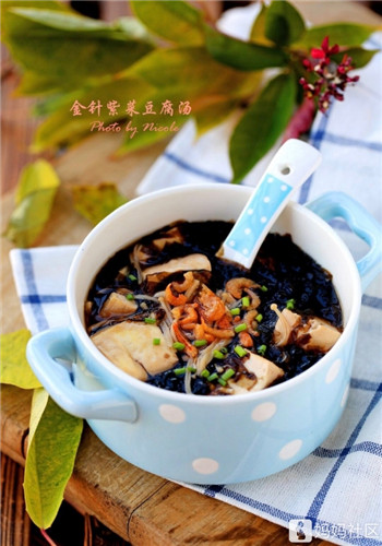 适合上班族的快手汤:金针紫菜豆腐汤